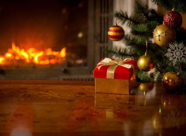 chirstmas fireplace